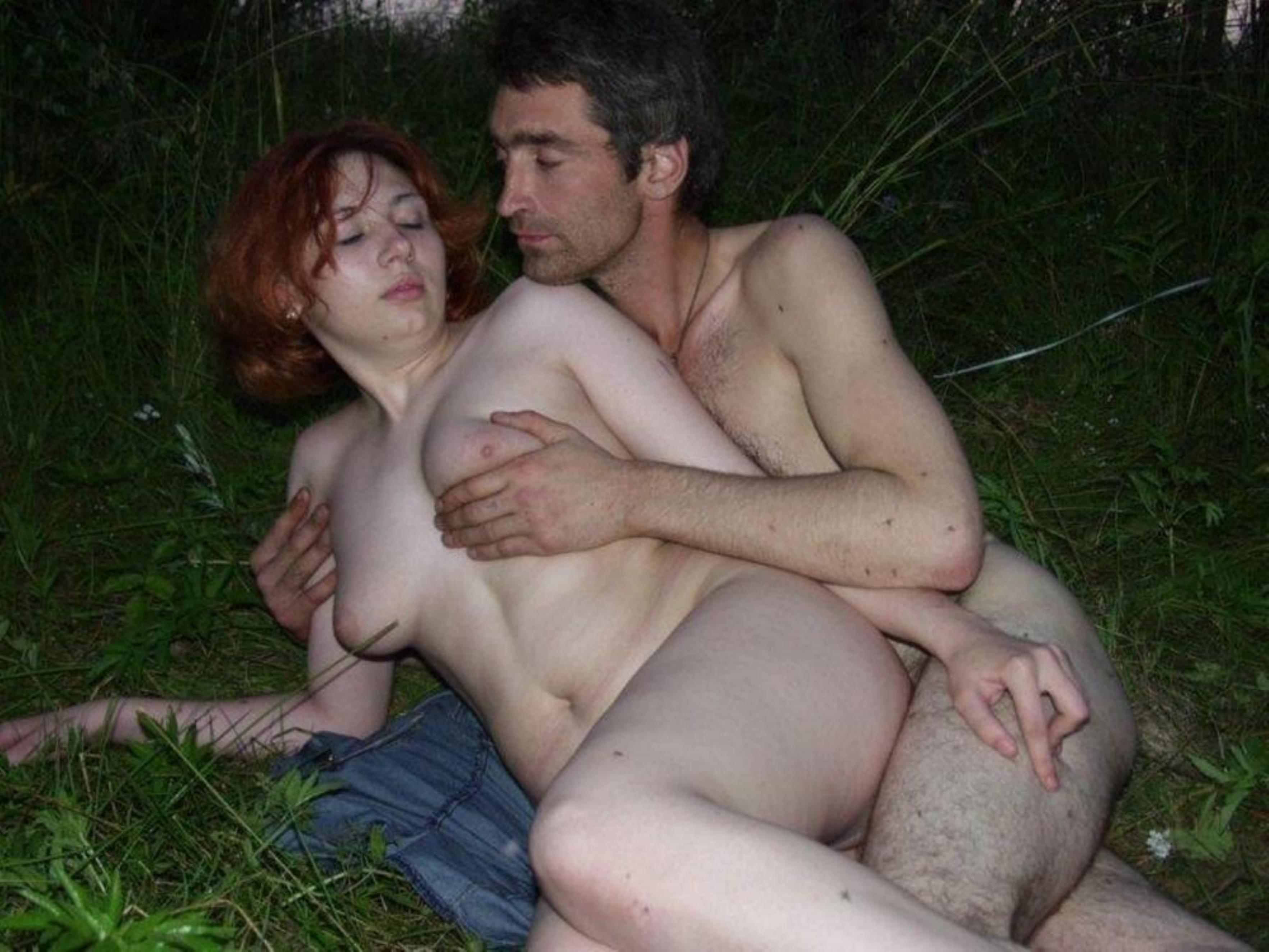Муж жену бомжам порно